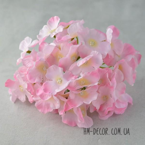 Гортензия пышная нежно-розовая 18 см