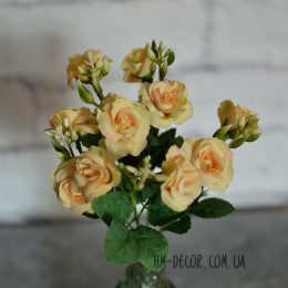 Букет роз Николетта нежно-желтая 25 см