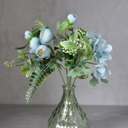 Букет ранункулюсов Аманда с гортензией голубой 30 см