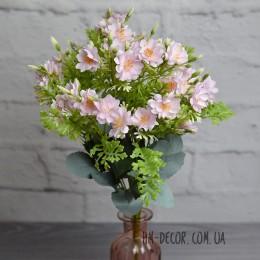 Букет мелких нежно-розовых цветочков 10 веток 45 см