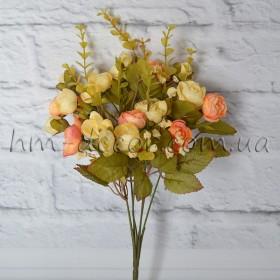 Букет ранункулюсов Милена бежево-персиковых 35 см