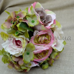 Букет из роз и гортензии Мемори розовый