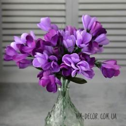 Крокусы фиолетовые пышные букет 7 веток 25 см