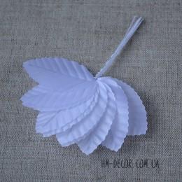 Лист на проволоке белый 2,5*5 см 10 шт.