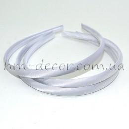 Ободок пластиковый в белой атласной ленте 1 см
