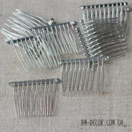 Гребень для волос металлический мини 4/3,5 см