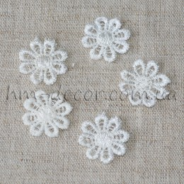 Аппликация кружевная цветок белый 2 см