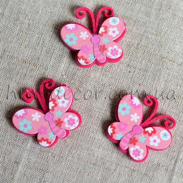 Бабочка фетровая розовая на липучке 4 см 1 шт.