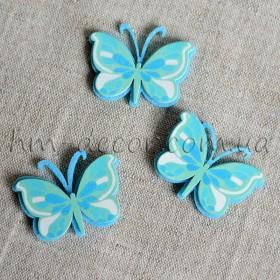 Бабочка фетровая голубая на липучке 4 см 1 шт.