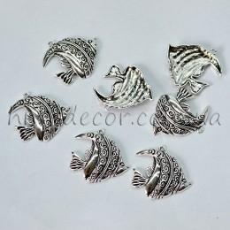 Металлическая подвеска рыбка серебро 3*3,5 см