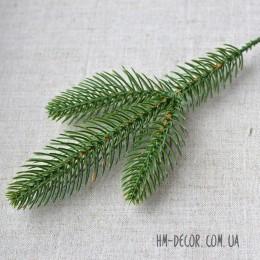 Ветка ели 3-ка зеленая 25 см
