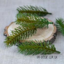 Веточка ели мини зелено-оливковая 10 см