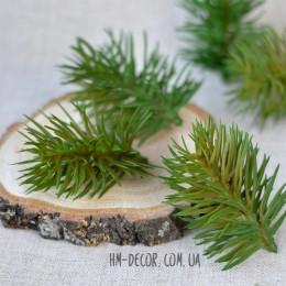 Веточка сосны мини оливково-зеленая 7 см