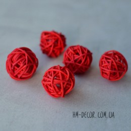 Шарик из ротанга 2,5 см красный 1 шт.