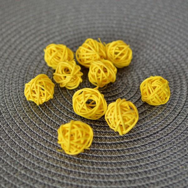 Шарик из ротанга желтый 2,5 см 1 шт.