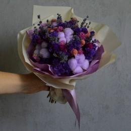 Букет из сухоцветов 103 с фиолетовой статицей и хлопком 25 см