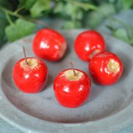 Яблоко искусственное красное с желтой серединкой 3,5 см 1 шт.