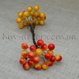 Ягоды глянцевые желто-оранжевые на проволоке 40 шт.
