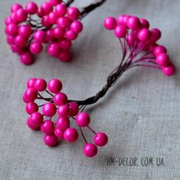 Ягоды глянцевые ярко-розовые на проволоке 40 шт. 1 см