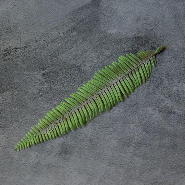 Лист папоротника узкий светло-зеленый премиум 23 см