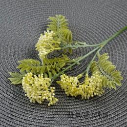 Ветка с молочными соцветиями и мелкими листьями 45 см