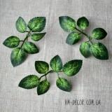 Листья и ветки из ткани