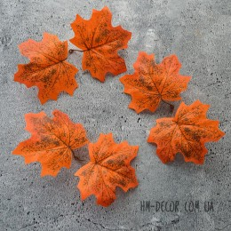 Лист клена оранжевый двойной 9 см